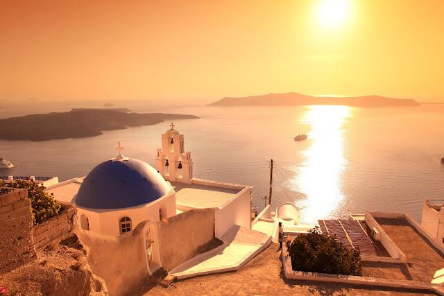 Ένας βράχος Αγιασμένος από όλους τους Θεούς του κόσμου είναι η Ελλάδα! Αν δεν υπήρχε και το μνημόνιο...