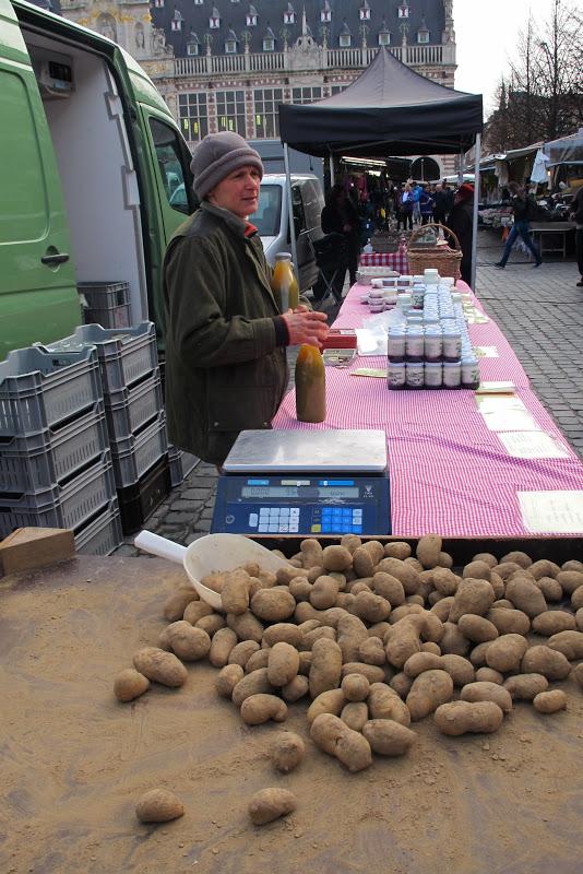 de markt in Leuven ...