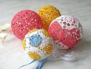 DIY Decoração de Natal - Bola de Natal Com de Motivos de Crochê Com Gráfico