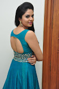 srmukhi new gorgeous looking sills-thumbnail-15