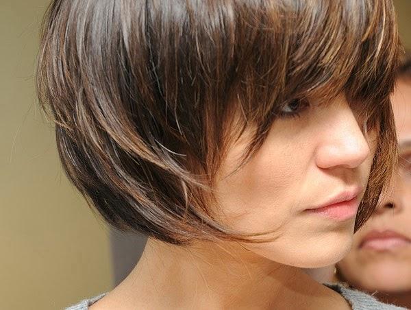 cabelos curtos escuros