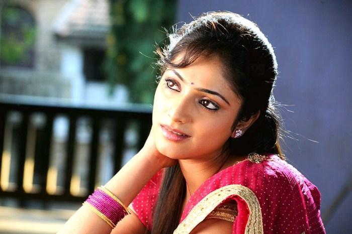 Hello Master Zamindar Tamil Full Movie: Hotolinenews: Actress Haripriya Saree Stills