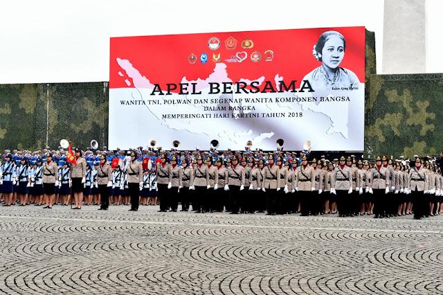 10.000 Wanita TNI dan Polwan Apel Bersama di Monas