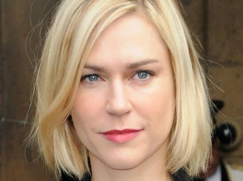 Short Blonde Straight Bob Hairstyles For Prom 2011-Trends