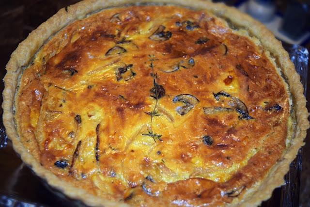 Saut�ed Onion and Mushroom Quiche Pie