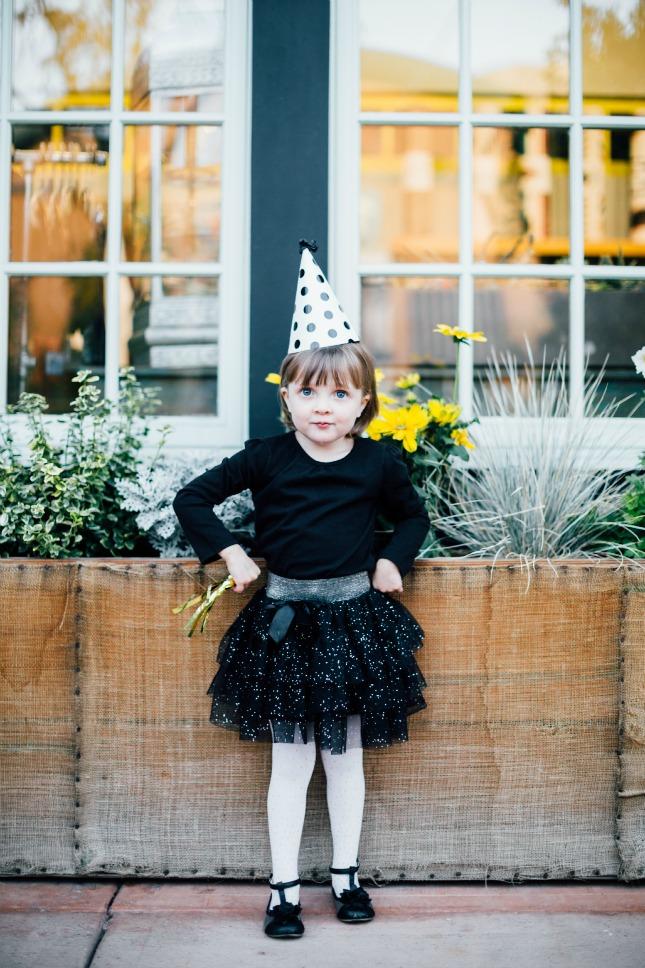 easy children's Halloween costumes: Party pooper