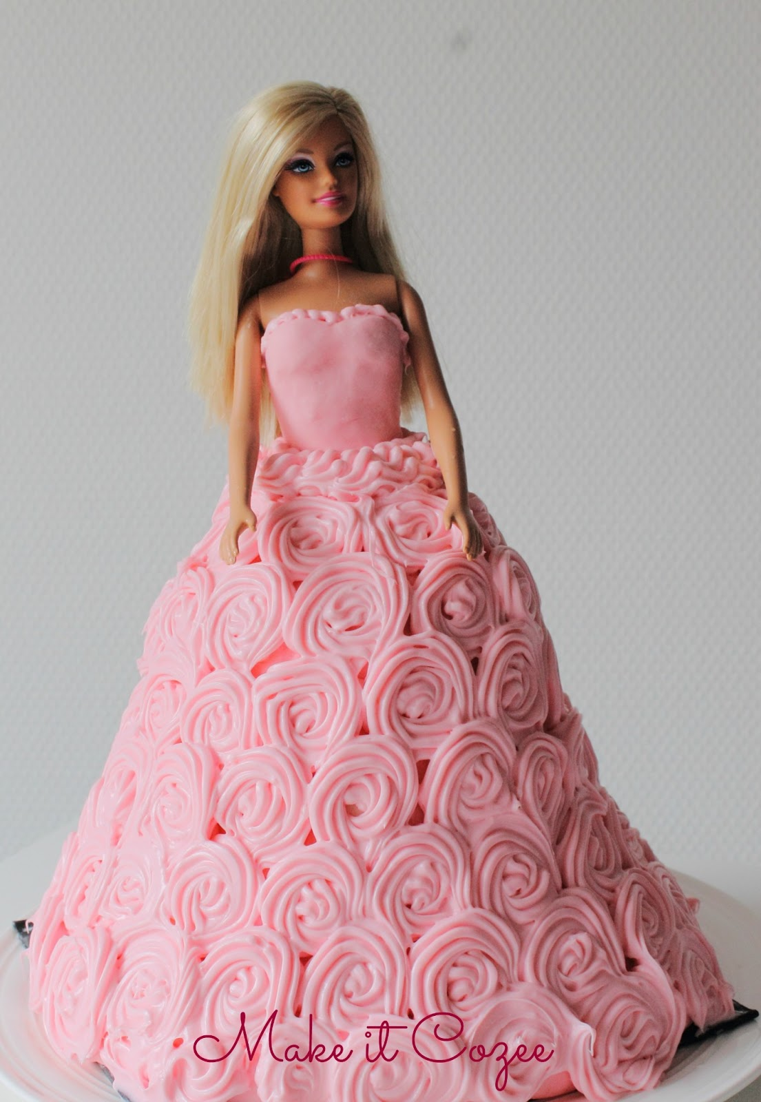 How To Make A Barbie Doll Cake With Fondant