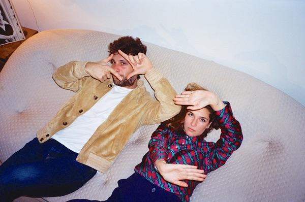 """Le duo parisien nous revient avec """"Under The Rain"""", un nouveau single accompagné d'une vidéo très cool et pleine d'énergie."""