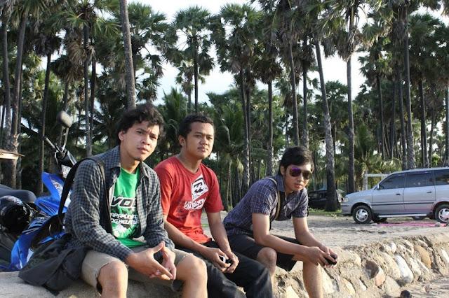 pohon lontar di pantai lasiana kupang NTT
