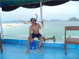 Snorkeling di Pulau Bidadari Flores NTT