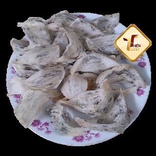Tổ yến tam giác, hay tổ yến góc là tổ yến được chim yến làm tổ trong góc nhà, có hình tam giác. Tổ yến này được thu hoạch trực tiếp tại nhà nuôi và chưa qua sơ chế đảm bảo nguyên chất hoàn toàn. Gọi ngay: 0913245258