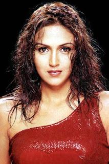 ايشا ديول (Esha Deol)، ممثلة هندية تظهر في أفلام بوليوود