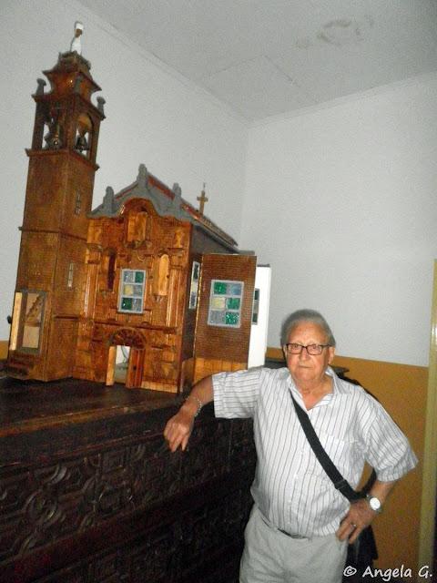 Luis Pascual, autor de la maqueta