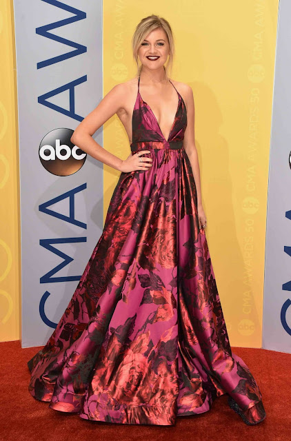 CMA, red carpet, Kelsea Ballerini