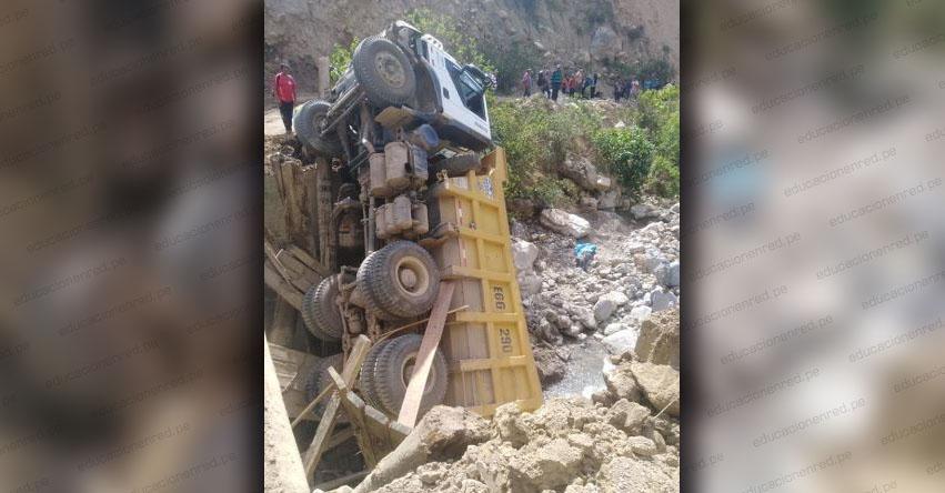 TRAGEDIA: Un escolar fallecido y otras 17 personas resultan heridas en accidente vial en Áncash