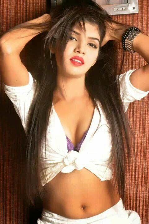Preet - Indian College Call Girls Escorts In Dubai +971552244915