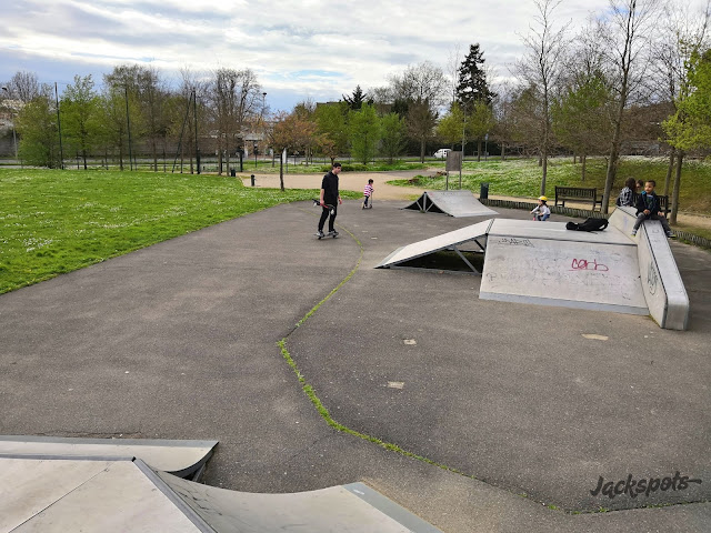 Skate park Lardy