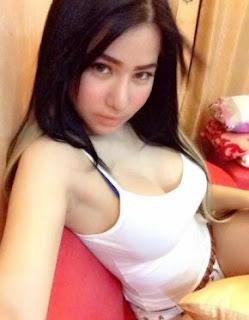 Bokep Ngentot SPG Mall Yang Seksi Dan Binal Di Ranjang