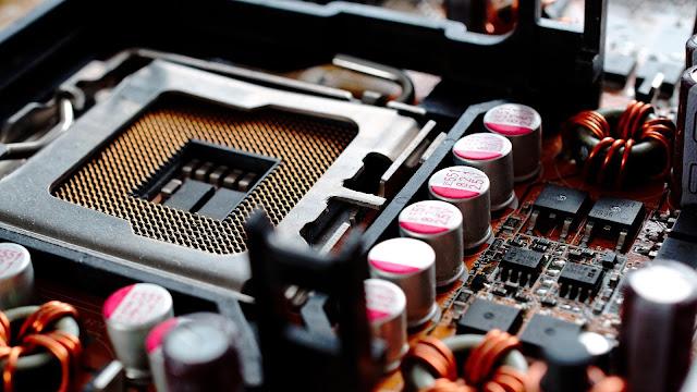 Nama dan Fungsi Komponen pada Motherboard