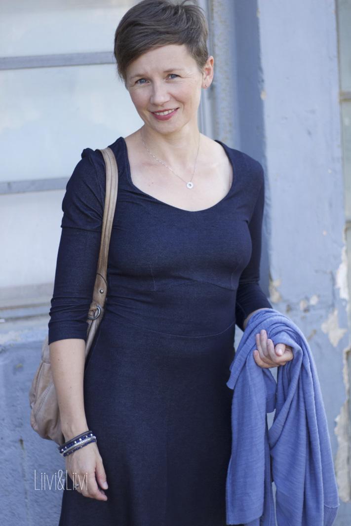 liiviundliivi: Kleid Dira, ganz schlicht
