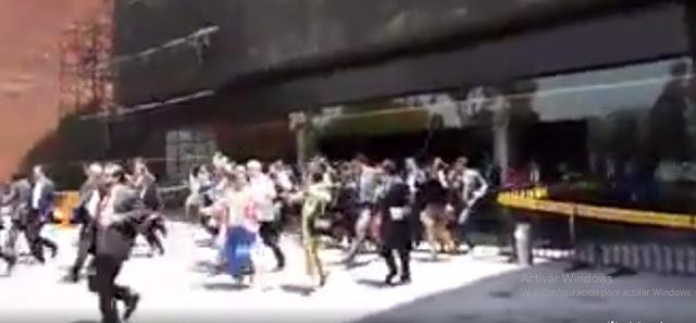 Diputados ponen mal ejemplo salen corriendo y a empujones de la cámara (Video)