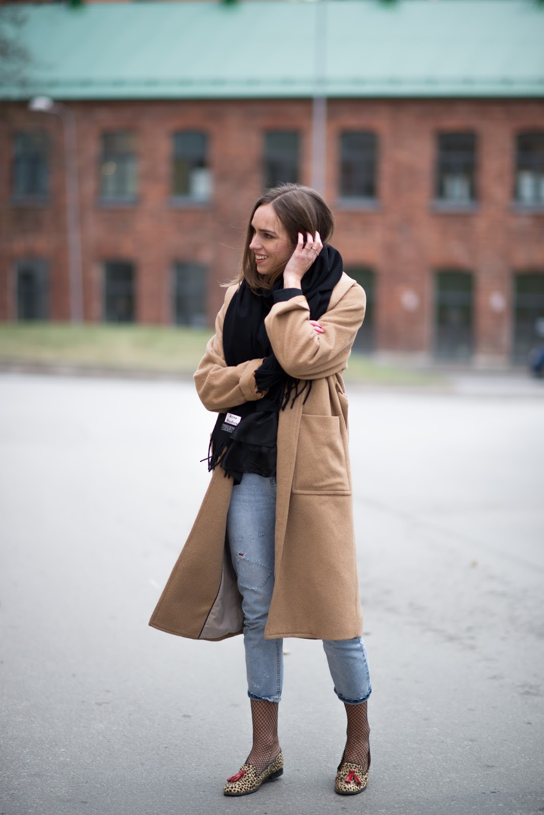 oversized camel coat winter outfit