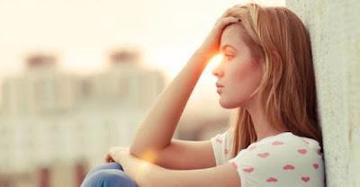 Fakta: Mengapa Saat Sedih Atau Tertekan Wanita Melampiaskan Pada Makanan