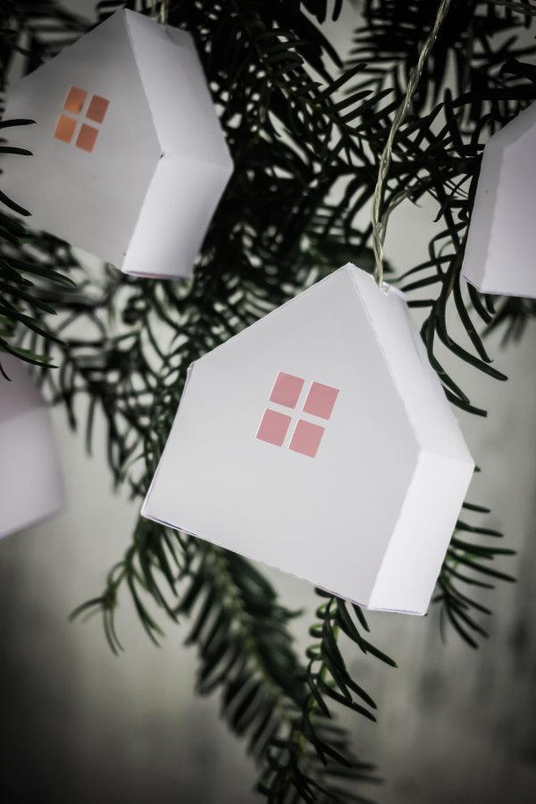 Vorlage für ein einfaches Papierhaus zum Selberbasteln - auch toll als Geschenkverpackung. titatoni.de