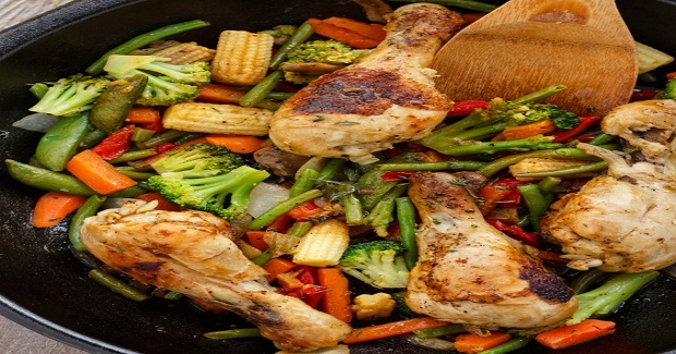 One Pan Chicken Drumsticks With Vegetables Recipe