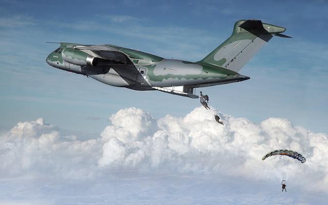 Embraer KC-390 (avión de transporte de tamaño mediano ) - Página 3 Embraer_KC-390_2017_02