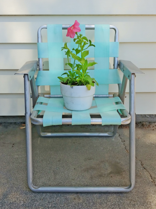 How to reweb a vintage lawn chair