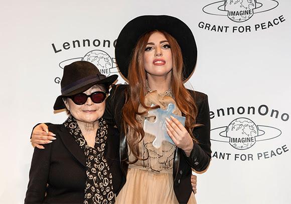 Lady Gaga inspirée par John Lennon et Yoko Ono