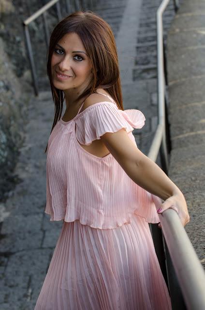 abito-rosa-plissettato