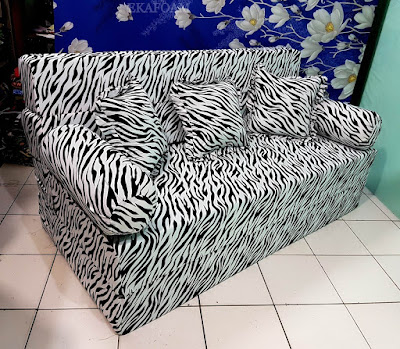 Sofa bed inoac motif zebra macan