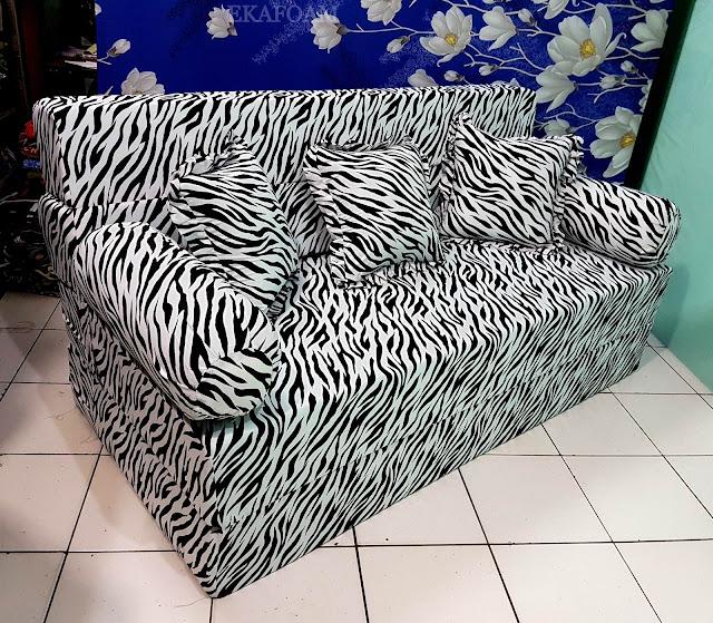 Sofa Bed inoac motif zebra atau macan atau tiger