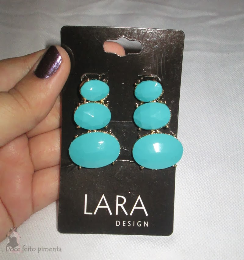 http://www.passarela.com.br/feminino/produto/6300118623/Brinco-Lara-E5005----Turquesa/
