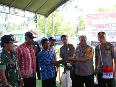 Binmas Noken Polri Kunjungi Mantan Panglima TPN OPM di Keerom, Lambert Pekikir
