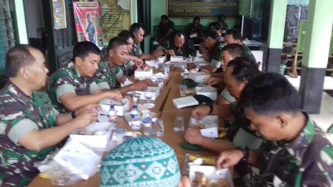 Jelang Akhir Jabatan, Dandim Ajak Anggota Koramil 01/Panmas Makan Bersama