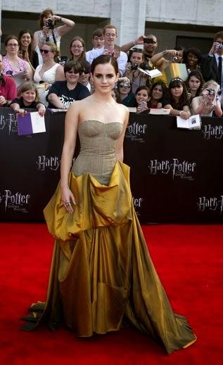2.Emma Watson Dress