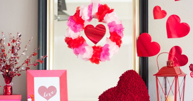 Heart filled valentine 39 s day mantel design improvised for B day decoration ideas