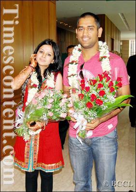 cricketoria dhonis wife sakshi marriage photos