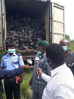 Nigerian Customs seize and destroy 4118 cartons of frozen chickens