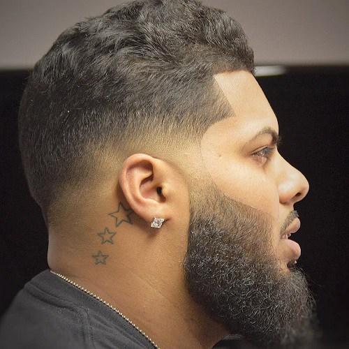 Cortes de cabelo masculino crespo com barba bem feita