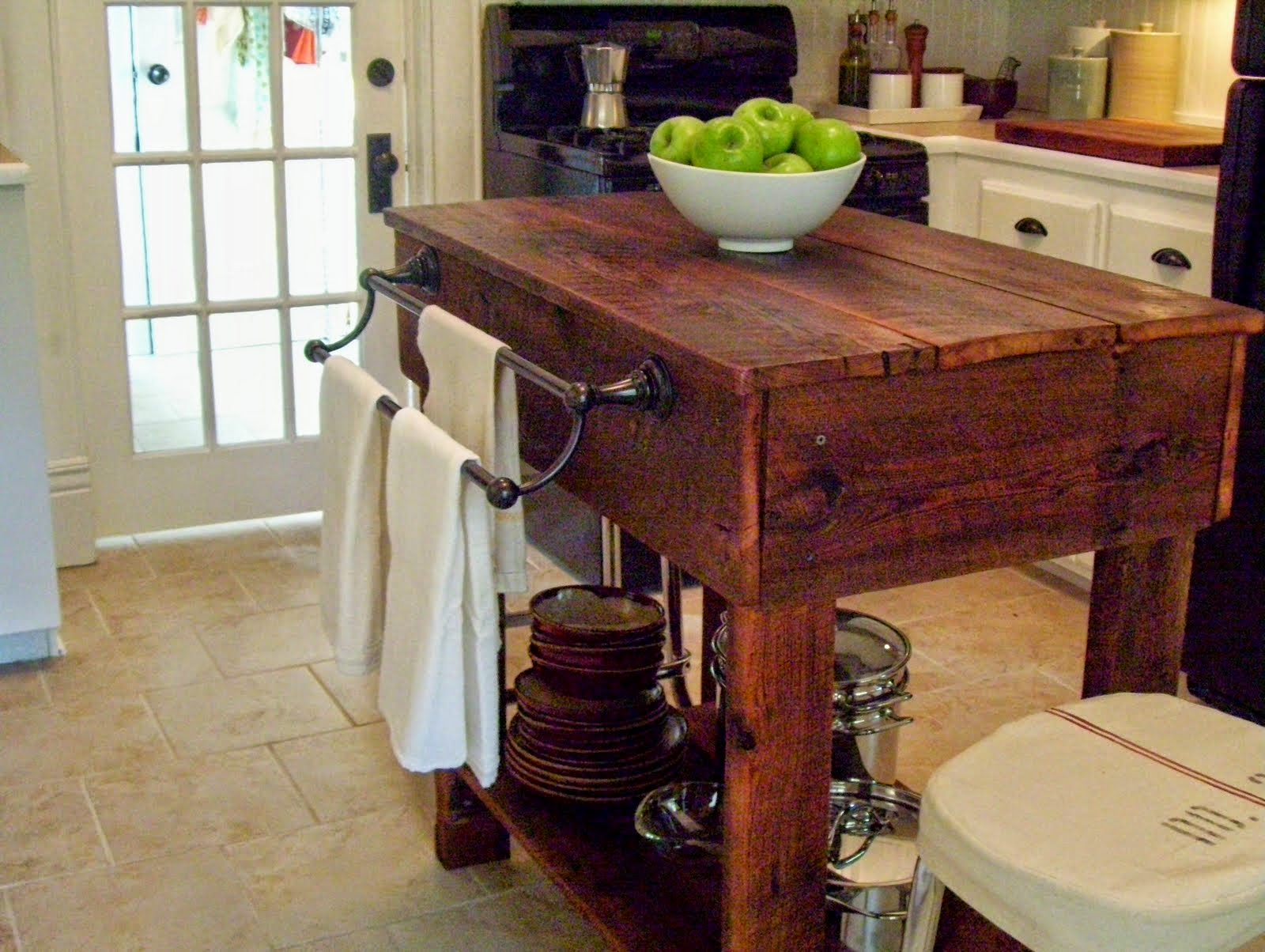 decorate your kitchen with unique work kitchen work tables Decorate Your Kitchen With An Unique Work Table
