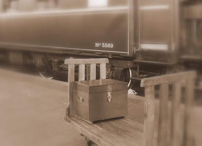 Maleta antigua. Fotos antiguas de estaciones de tren. Estación de Delicias. Museo del Ferrocarril de Madrid