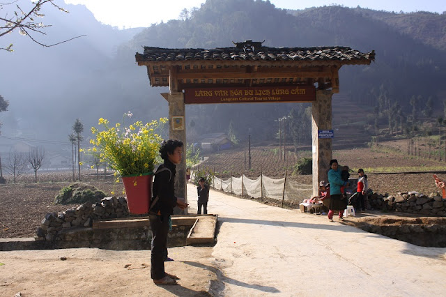 Choose Ha Giang tourism with homestay you get what? 2