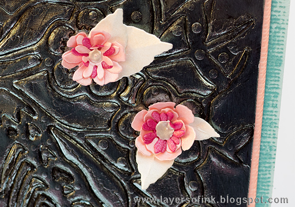 Layers of ink - Debossed Metallic Bird Tutorial by Anna-Karin with Tim Holtz Small Tatttered Florals