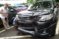 Mobil Pengangkut Uang 700 Juta Mengalami Kecelakaan