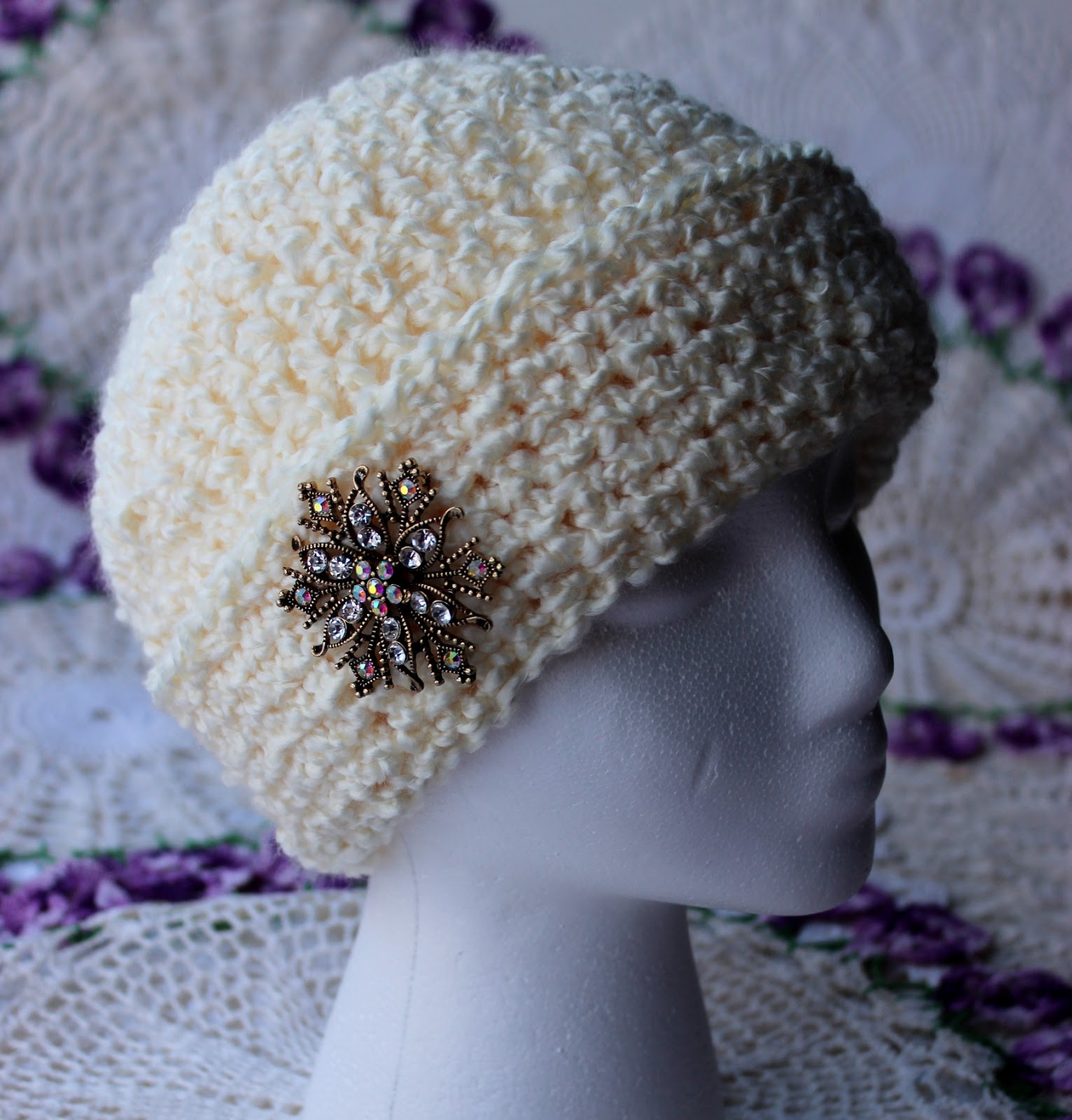 Krissys wonders ladies fancy chemo cap made with 5 weight yarn dt1010fo