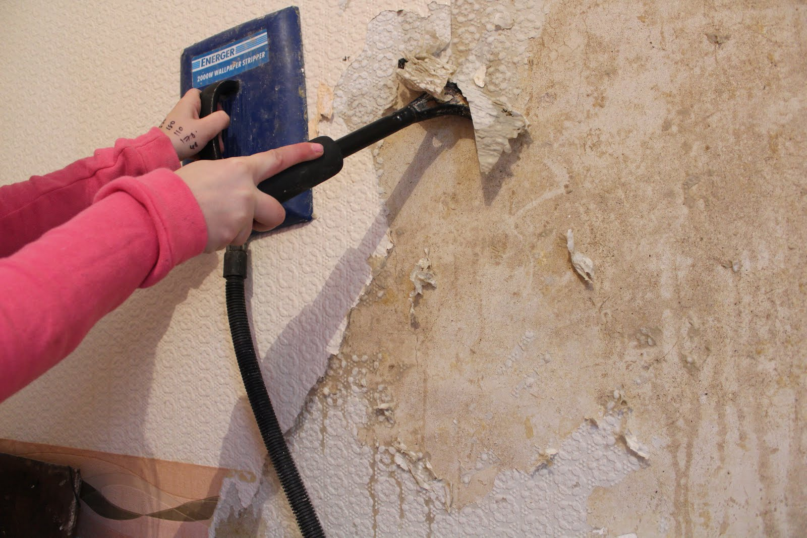 the quickest way to remove wallpaper